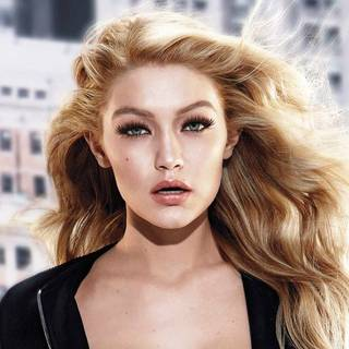 pushup-drama-mascara-gigi-hadid-beautyimage-1x1