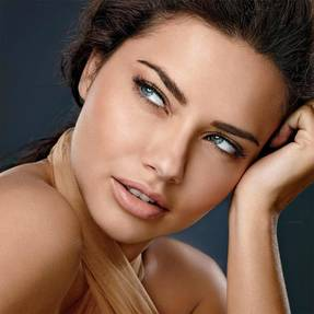 dream-velvet-adriana-lima-beautyimage-1x1