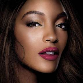 sensational-lipstick-jourdan-dunn-beautyimage-1x1